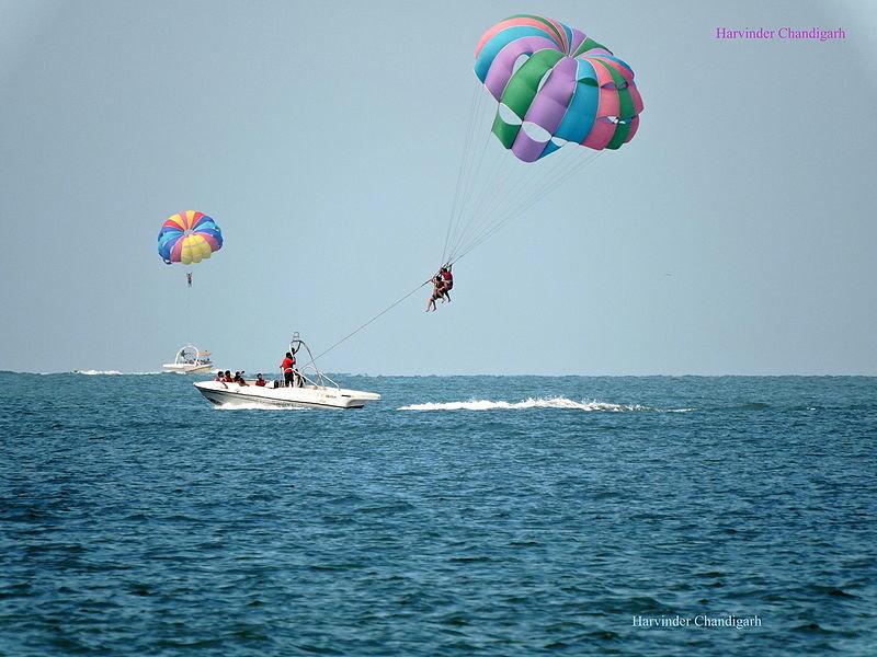 Water sports in Candolim beach