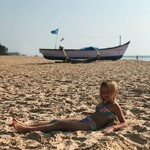 @instagram: #varca #varcabeach #daughter #india #indianocean #daughter #beach#сладенькая