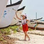 @instagram: К Аравийскому морю приглядывались, приныривались долго) Горячее в марте, белено-зеленое, жгуче-соленое! Точно для настоящих флибустьеров, а не туристов) #travel  #гоа  #путешествуемсдетьми  #каникулы  #путешествие  #индия #goa  #kidstravel  #nikazhuk  #пл