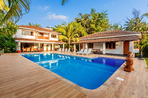 Beachfront Villa — Luxury villa for rent in Candolim