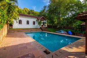 Hima Villa — Luxury villa for rent in Verem