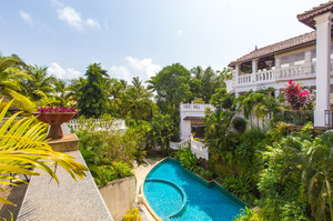 Three House — Luxury villa for rent in Pilerne
