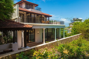 Highland Villa — Luxury villa for rent in Candolim