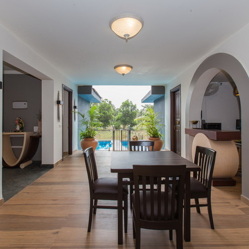 Arpora Villa: dining area
